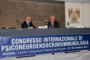 Da sinistra: Stefano Coaccioli, professore di medicina interna, Perugia, Claudio Zullo, Napoli, vicepresidente della Associazione Psicologia Sanitaria e Ospedaliera (PSISA) che ha gestito due sessioni: una sul dolore e l'altra sulle malattie croniche